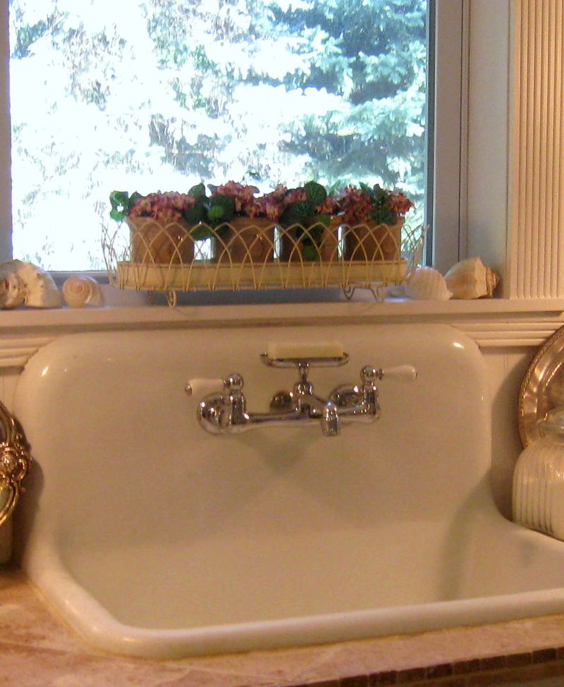 Vintage Farmhouse Kitchen Sink : Farmhouse Essentials - Raised In Cotton