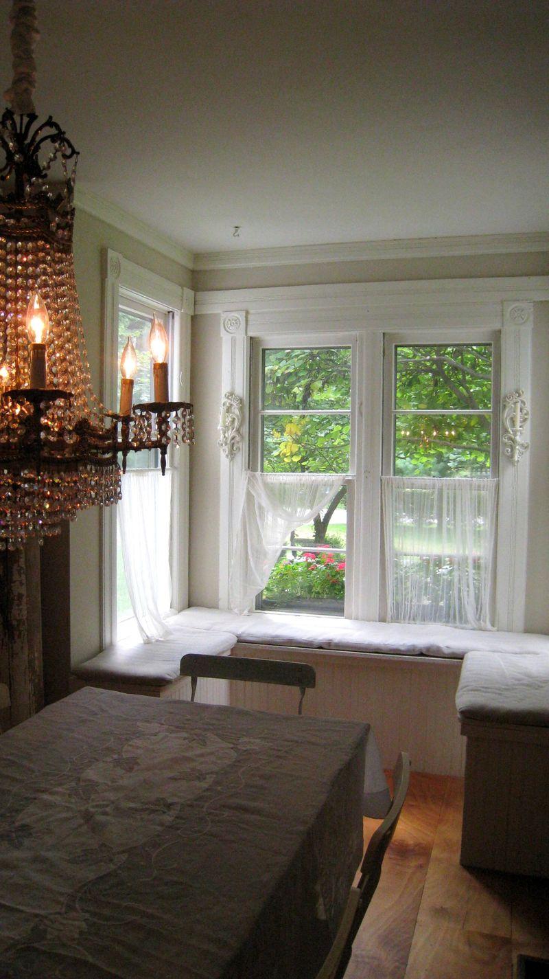 Window Seats - Raised In Cotton