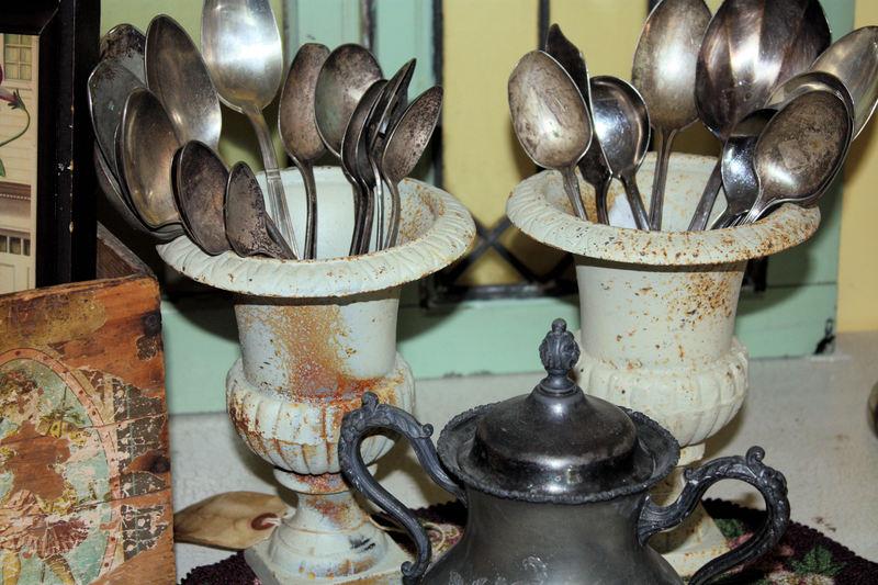 Silverwareandurns